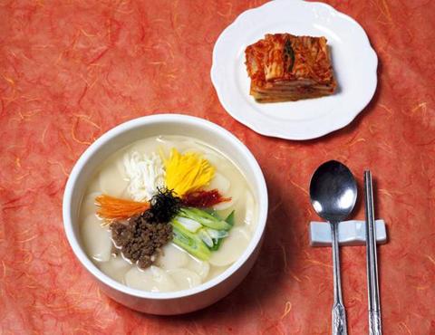canh bánh gạo Tteokguk