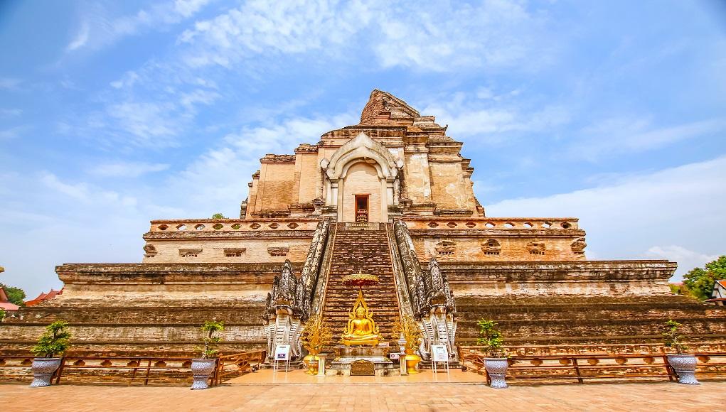 Wat Chedi Luang tại Chiang Mai Thái Lan