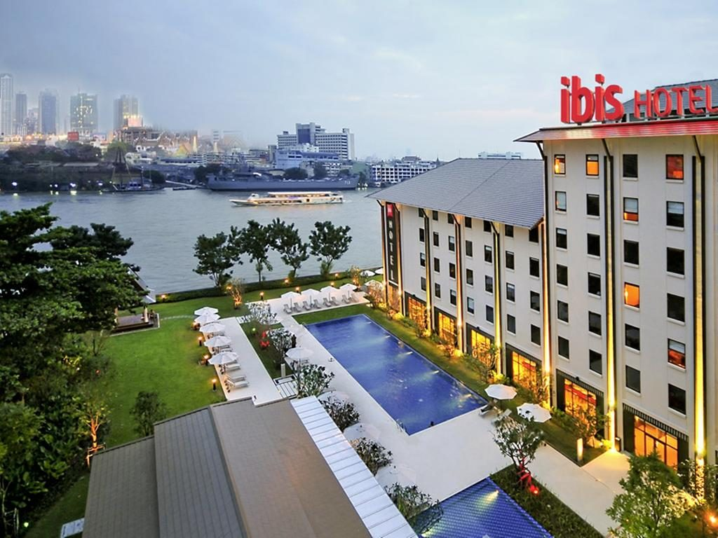 khách sạn riverside bangkok